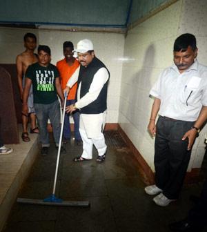 dharmendra-clean