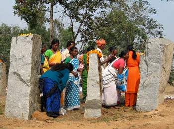 tribals-paying-tributes