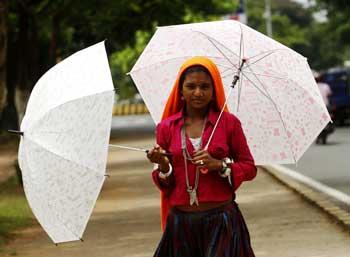 selling-umbrellas