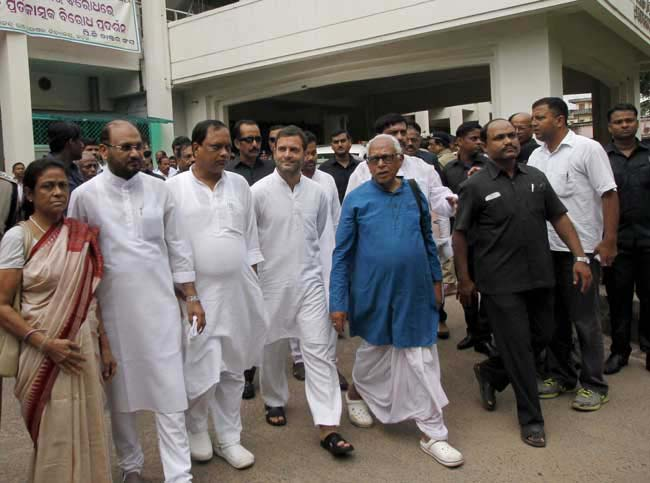 Rahul-Gandhi-at-Sishu-Bhavan
