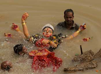 immersion-of-durga