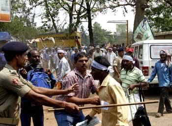 farmers-protest